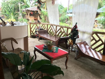 VILLA TRAVELISTA Lobby Sitting Area