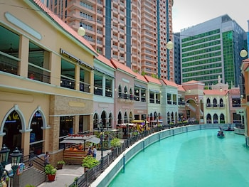GRACE AT MCKINLEY HILL GLOBAL CITY City View from Property