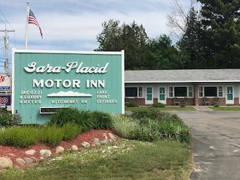Sara Placid Inn & Suites photo
