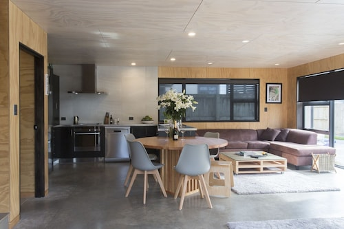 The Natural Home, New Plymouth