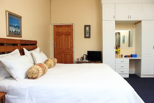 Unique Bed and breakfast, Harare