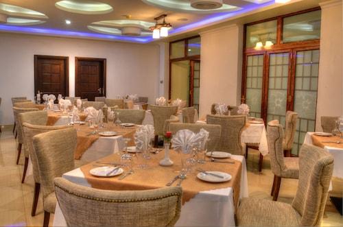 The White Rhino Hotel, Nyeri Town