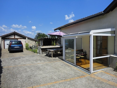 House With one Bedroom in Carbon-blanc, With Wonderful City View, Encl, Gironde