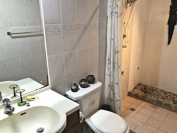 SITIO DE AMOR LEISURE FARM Bathroom