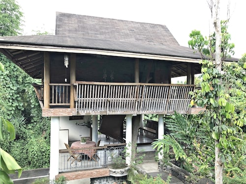 Tree House at Sitio de Amor Leisure Farm, San Pablo City