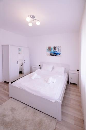 Isaran Apartment, Brasov