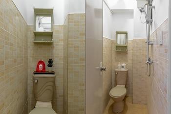 PENSION INN MARILAO Bathroom
