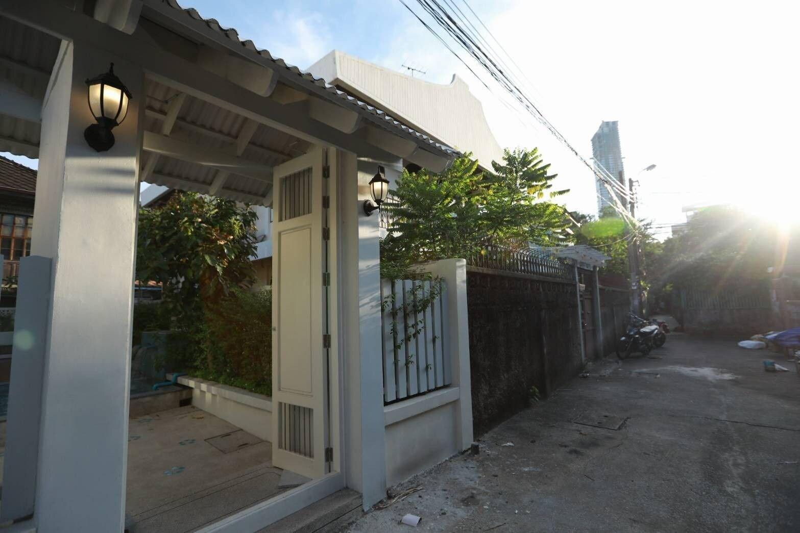 A Sleep Bangkok Charoenkrung, Bang Kho Laem