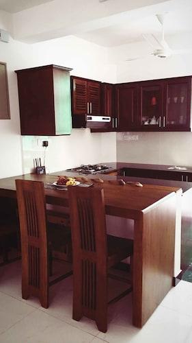 Yoho Seline Residence, Dehiwala-Mount Lavinia