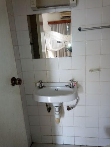 Hotel Dorse, Mvita