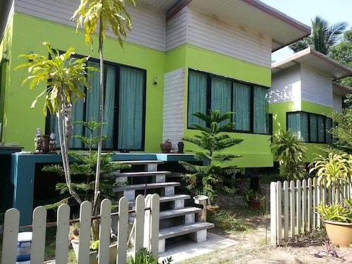 The Tree Madauwan, Ko Phangan