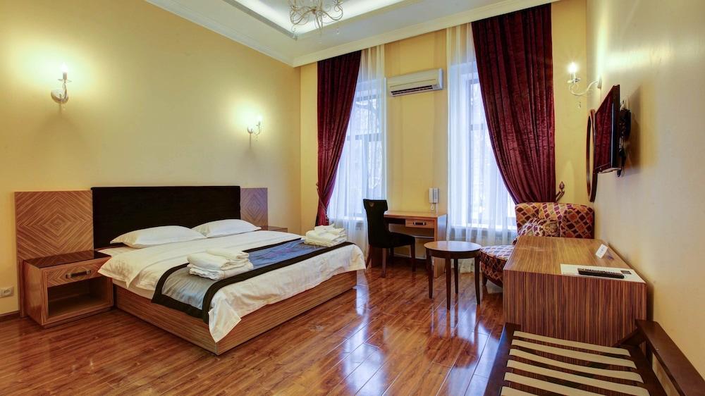 Hotel Sleepy Tom Hotel