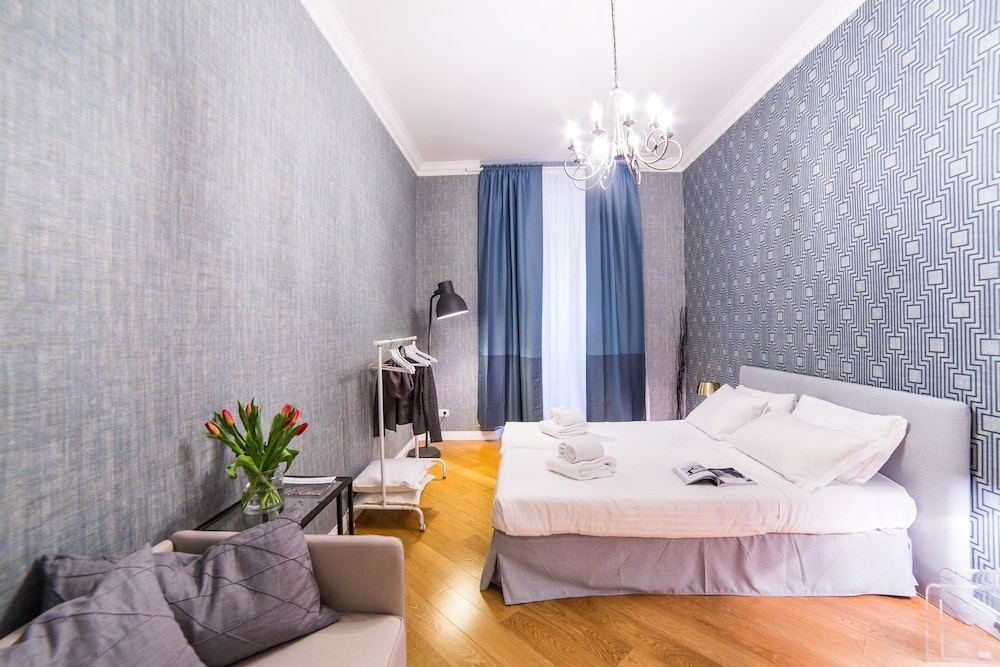 Rent In Rome - Appartamento Belsiana II