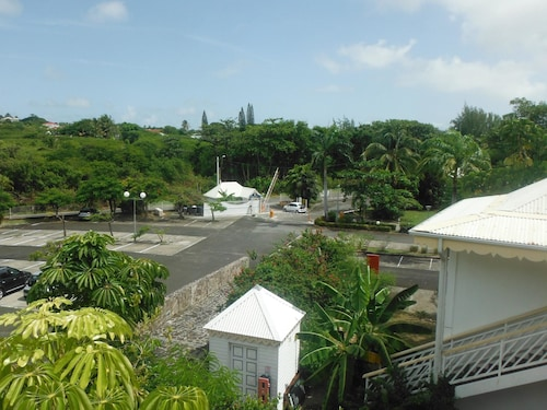 Apartment With one Bedroom in Saint François, With Private Pool, Furni, Saint-François