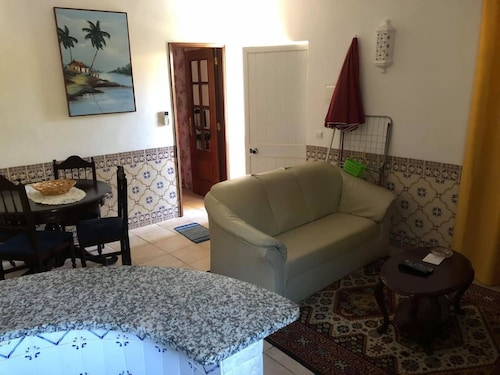 House With one Bedroom in Odiáxere, With Pool Access, Enclosed Garden, Lagos