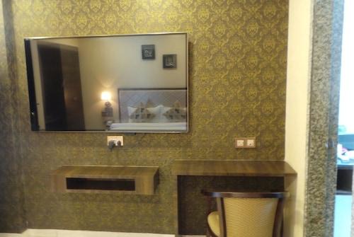 Hotel Casa Riva, Surat