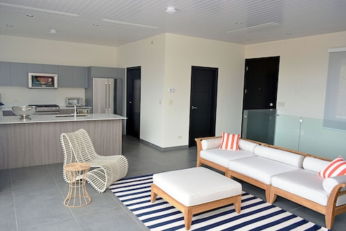 La Santa Maria Real Estate Resort., Tola