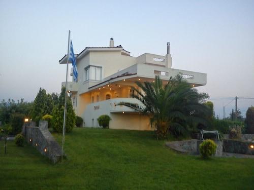 Agiokampos Luxurious Resort, Central Greece