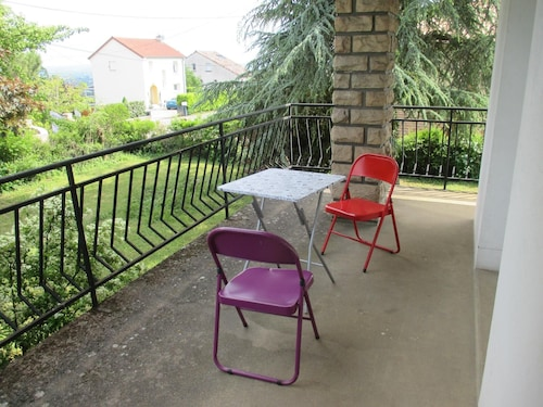 House With 4 Bedrooms in Charnay-lès-mâcon, With Wonderful Mountain Vi, Saône-et-Loire
