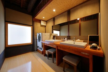 HOUKA Bathroom Sink