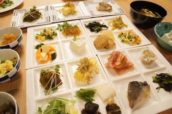 HOTEL WBF GOJO OMIYA Restaurant