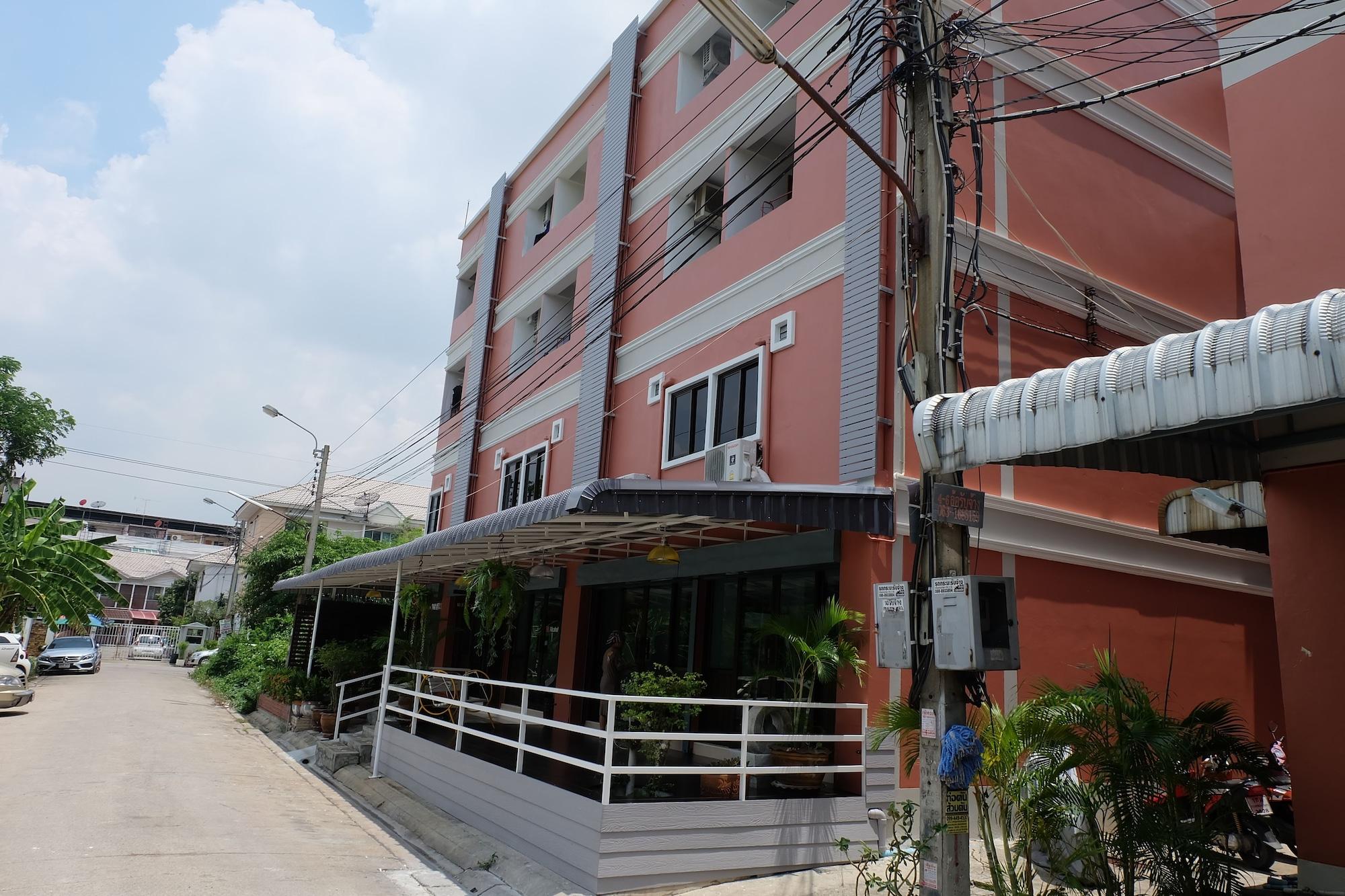 Arm Mansion, Saphan Sung