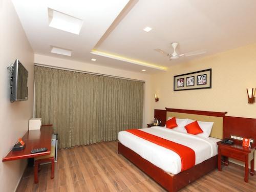 OYO 14759 Hotel President, Madurai