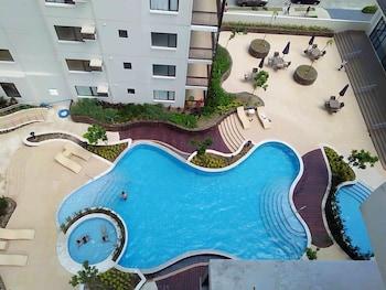 BELLA LIFESTYLE STUDIO Outdoor Pool