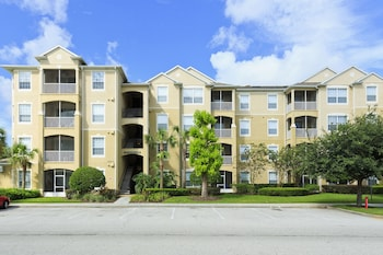 2 BR Condo in Kissimmee by Castle CR