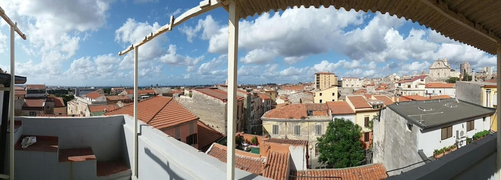 Apartment With one Bedroom in Sassari, With Wonderful sea View, Furnished Balcony and Wifi - 12 km F