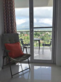 ALTA RESIDENCES LEGAZPI Balcony