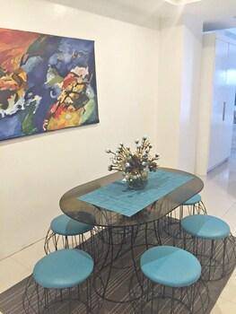 ALTA RESIDENCES LEGAZPI In-Room Dining