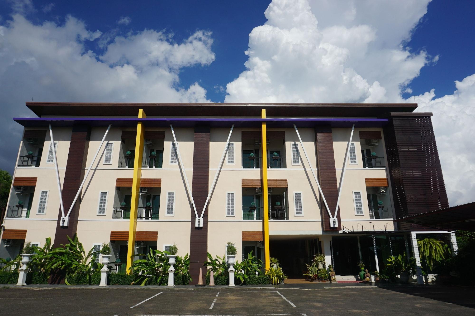 The Triple V Hotel, Muang Roi Et
