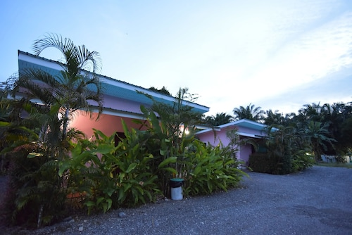 . Tonkla Resort