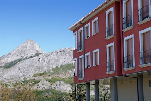 . Apartamentos Pico Llerenes