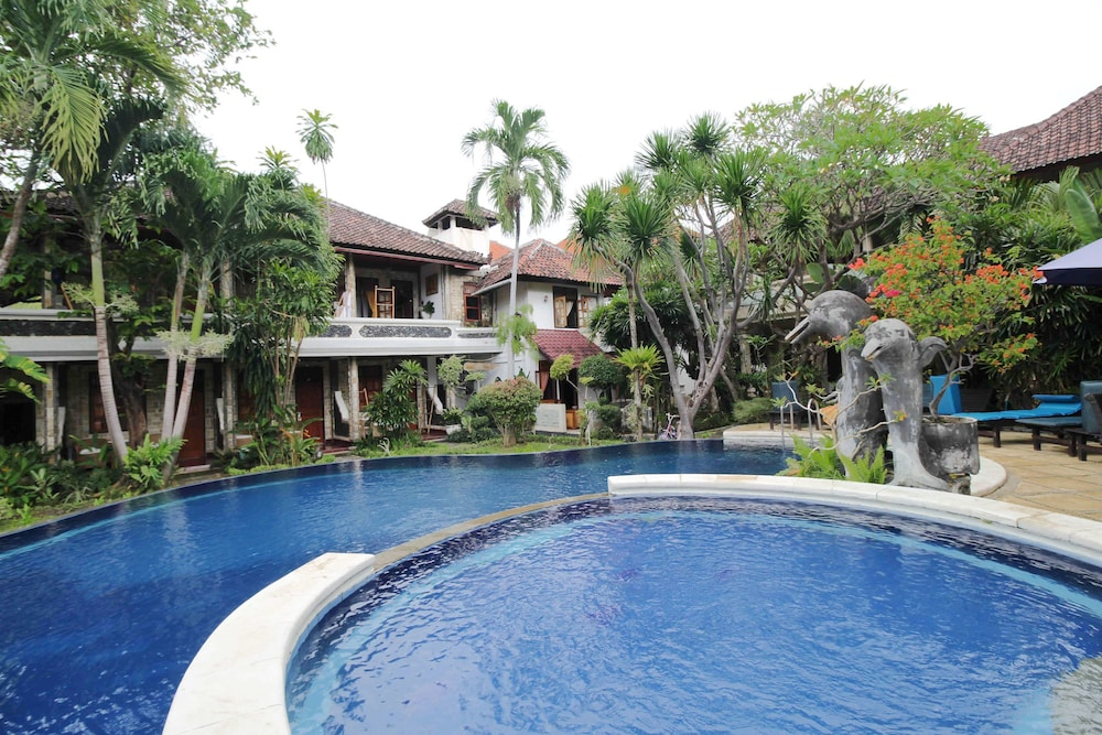 Airy Buleleng Laviana Kalibukbuk Singaraja Bali
