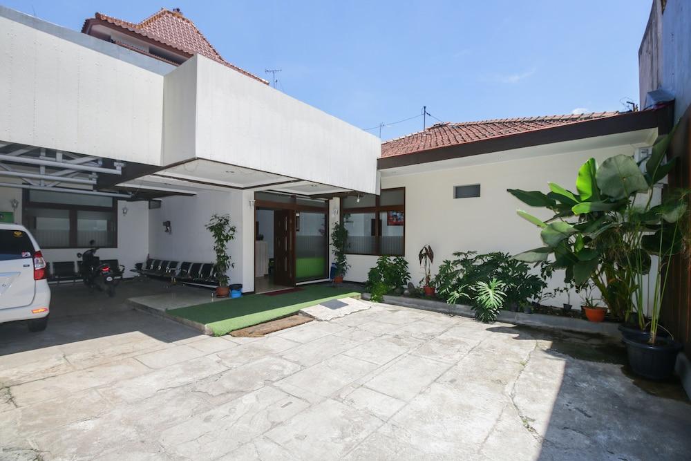 Airy Eco Regol Keutamaan Istri 30B Bandung