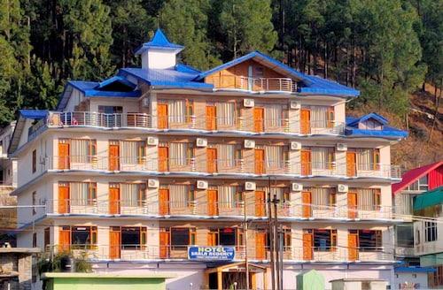 . Hotel Sarla Regency