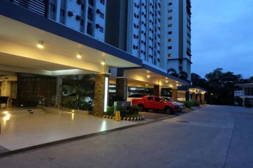 Grand Residences Unit 12N by Comfyrooms, Cebu City