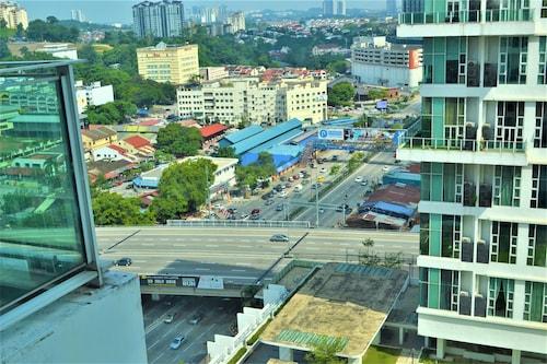KL118 Duplex Suite Scott Garden KL, Kuala Lumpur