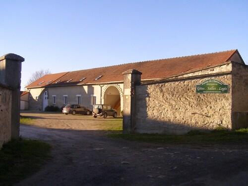 Grand gîte à la Ferme du Charmois, Aisne