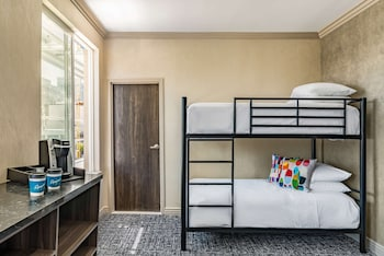 Executive Suite, Multiple Beds