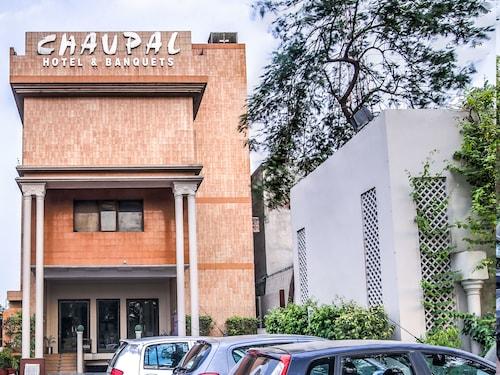 OYO Flagship 14443 Chaupal Sector 14, Gurgaon
