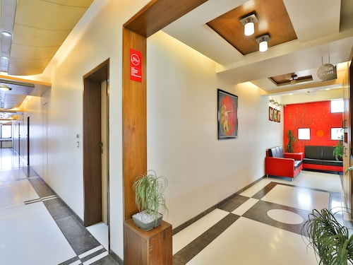 OYO 13372 Hotel Laksh Residency, Anand