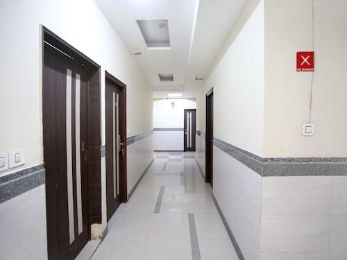 OYO 3025 Hotel Amaze, Sahibzada Ajit Singh Nagar