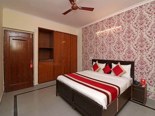 OYO 12722 B K House, Gautam Buddha Nagar