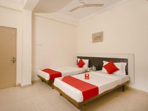 OYO 11321 Hotel Goutham Residency, Ranga Reddy