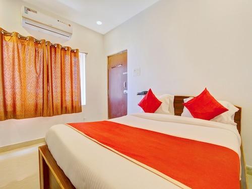 . OYO 11670 Hotel Vishnu Priya Residency
