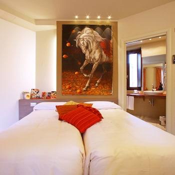 Hotel - Spazio [Bianco] - Camere con Cultura