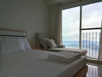 WIND RESIDENCES BY SMCO Guestroom View